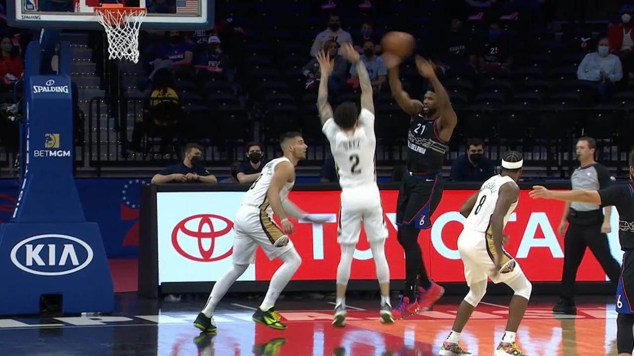 Lonzo Ball with the steal then the triple | Pelicans-76ers Highlights