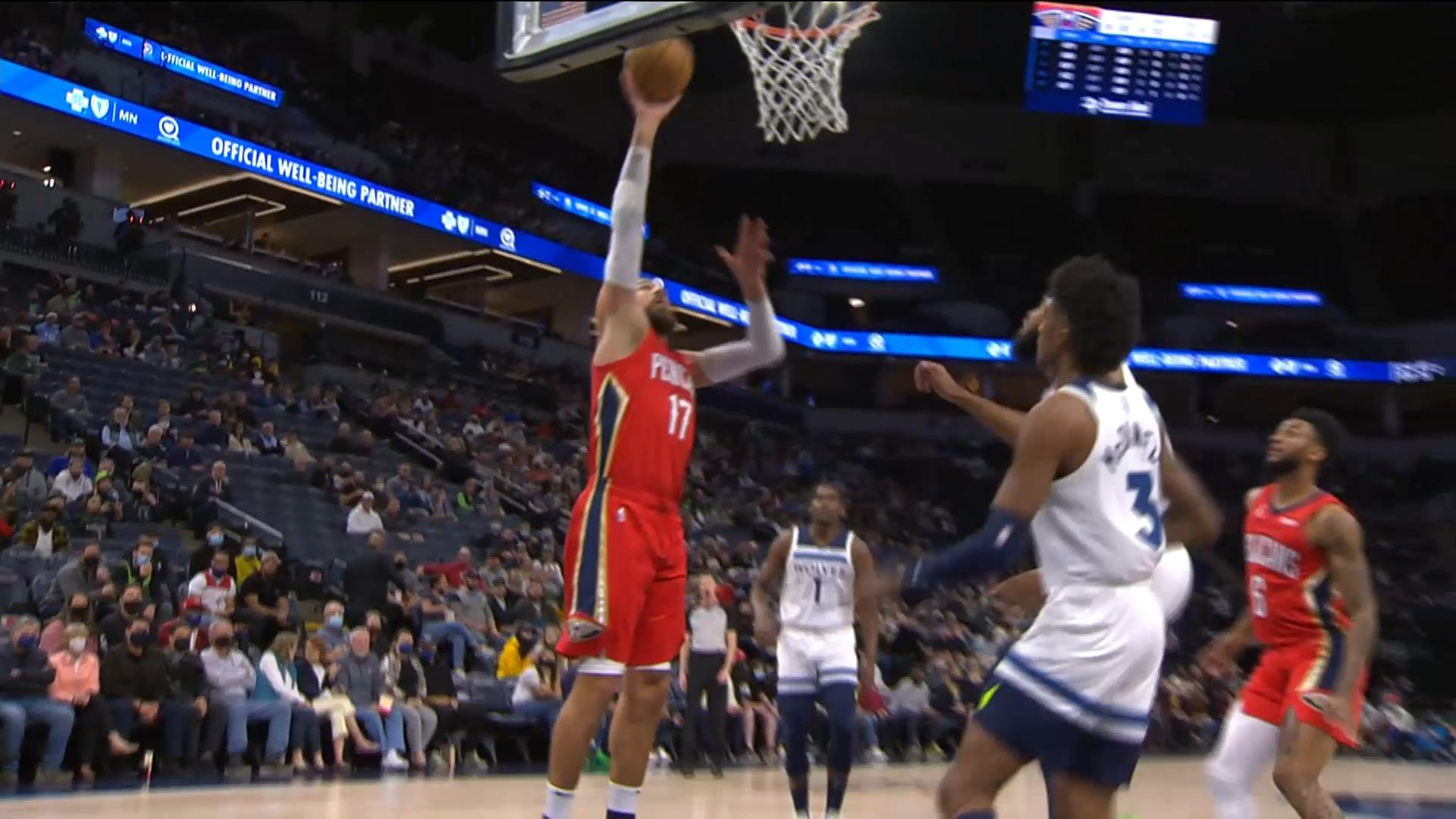 Jonas Valanciunas lays it in off the feed from Nickeil Alexander-Walker | Pelicans at Timberwolves 10-25-21