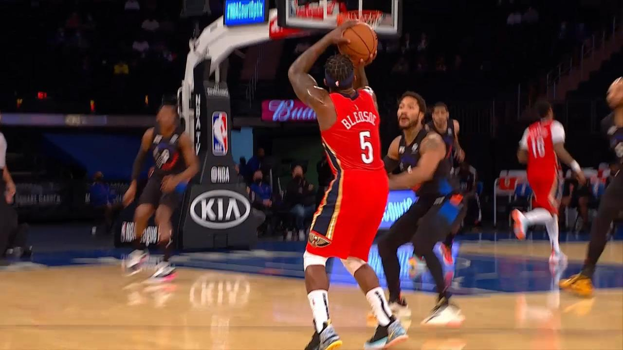 Eric Bledsoe connects beyond the arc | Pelicans-Knicks Highlights