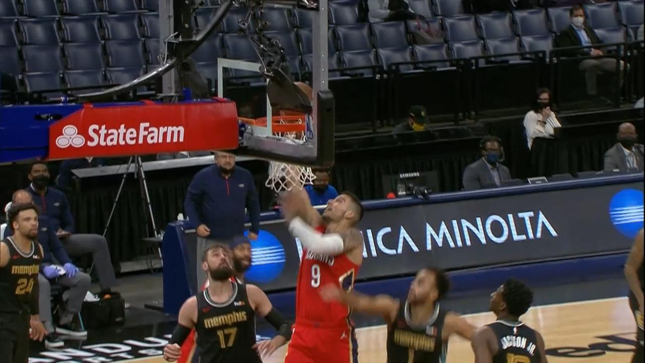 Willy Hernangomez soft touch at the rim | Pelicans-Grizzlies Highlights