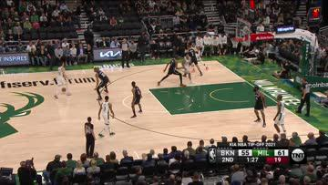 Giannis And One Over Durant