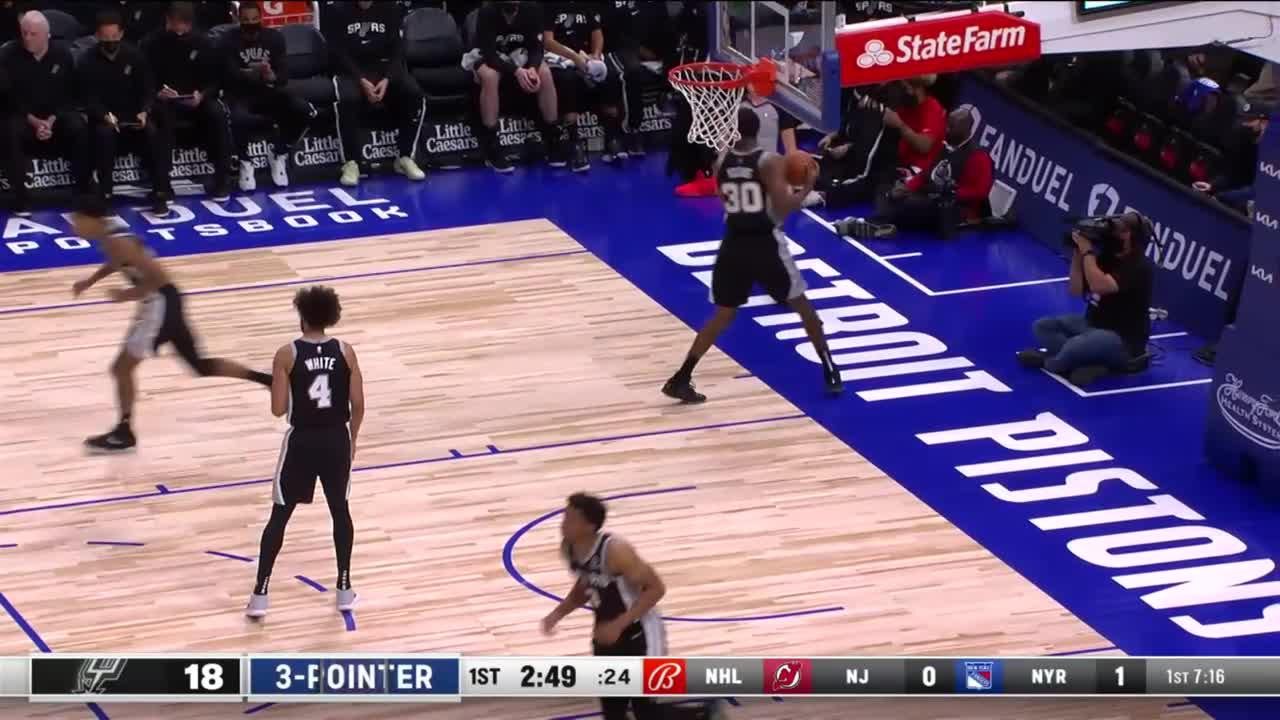 Detroit Pistons with 7 3-pointers in the 1st Quarter vs. San Antonio Spurs