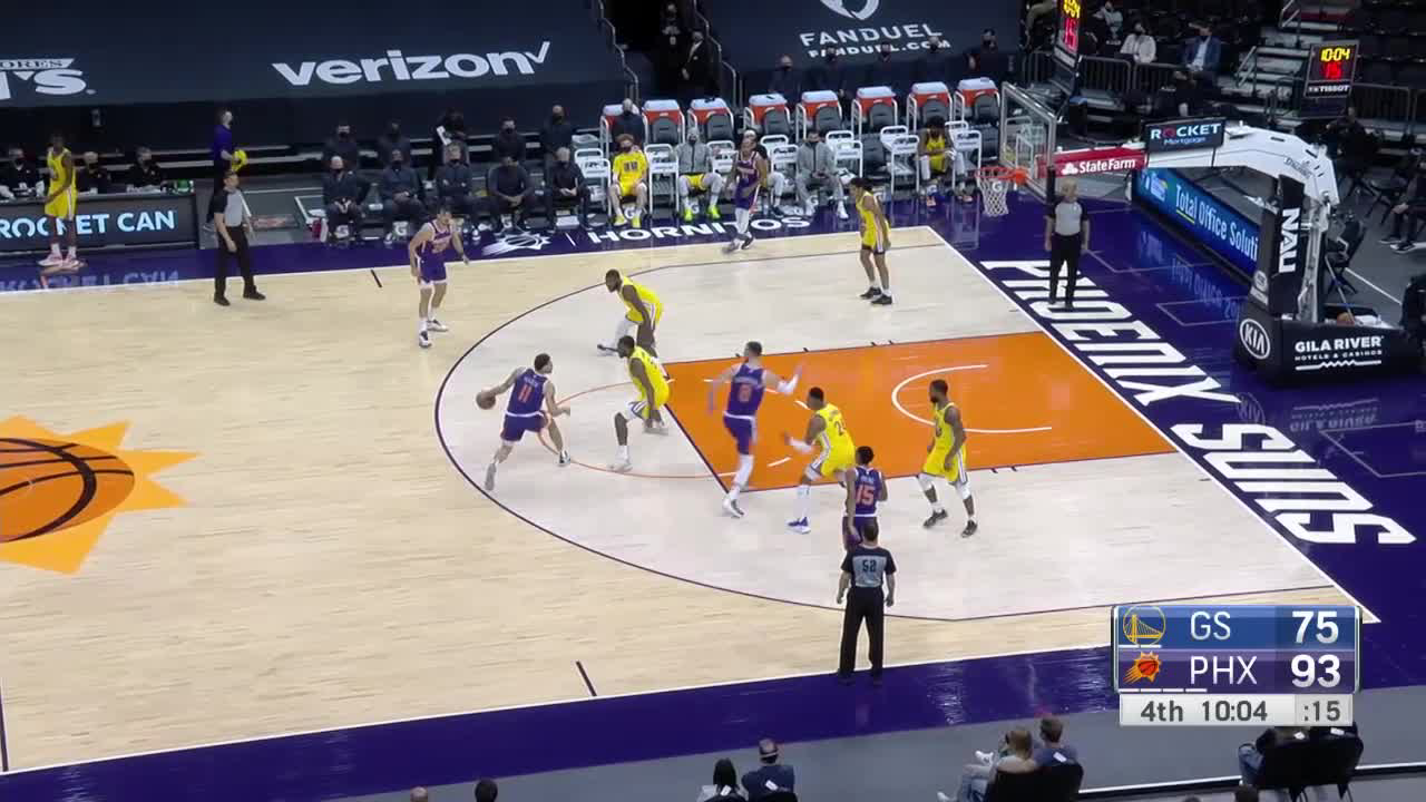 Kevon Looney with the must-see play!