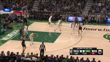 Touchdown Pass to Giannis