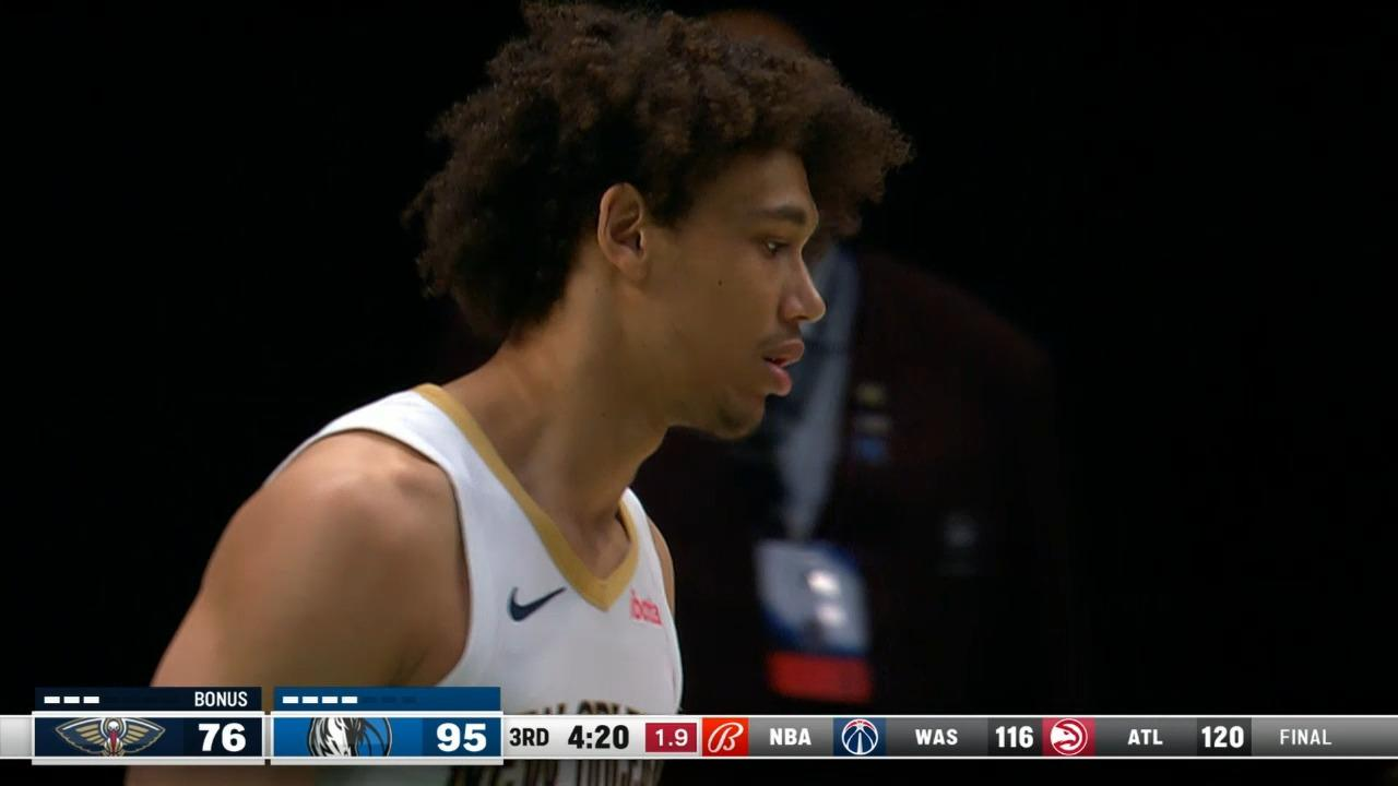 Jaxson Hayes defends the drive up and gets the block | Pelicans-Mavericks Highlights