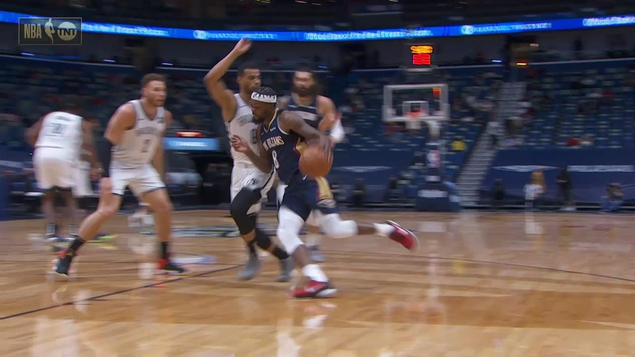 Naji Marshall with the strong and-1 finish | Pelicans-Nets Highlights